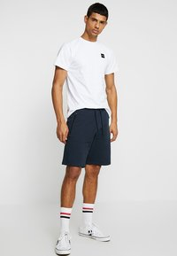 Le Fix - PATCH TEE - Basic T-shirt - white - 1