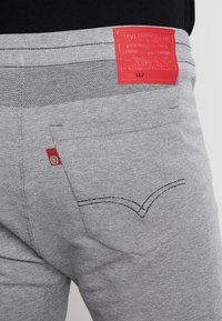 Levi's® Engineered Jeans - LOGO - Tracksuit bottoms - heather grey - 5