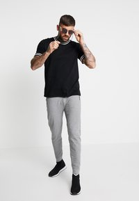 Levi's® Engineered Jeans - LOGO - Tracksuit bottoms - heather grey - 1