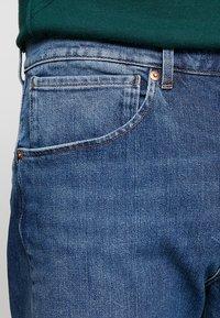 Levi's® Engineered Jeans - 502 REGULAR TAPER - Jeans Tapered Fit - blue denim - 3