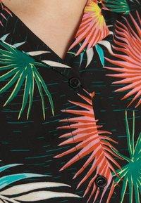 Lee Plus - FLORAL RESORT SHIRT - Košile - black - 4