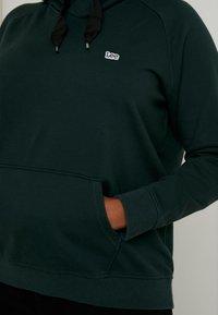 Lee Plus - HOODY - Jersey con capucha - bottle green - 3