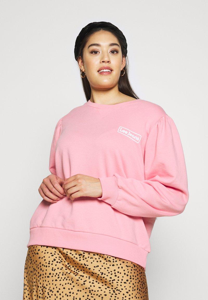 Lee Plus - GRAPHIC - Mikina - la pink