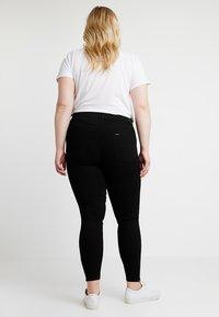 Lee Plus - SCARLETT HIGH WAISTED ANKLE ZIP - Jeans Skinny Fit - black - 2