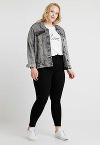 Lee Plus - SCARLETT HIGH WAISTED ANKLE ZIP - Jeans Skinny Fit - black - 1