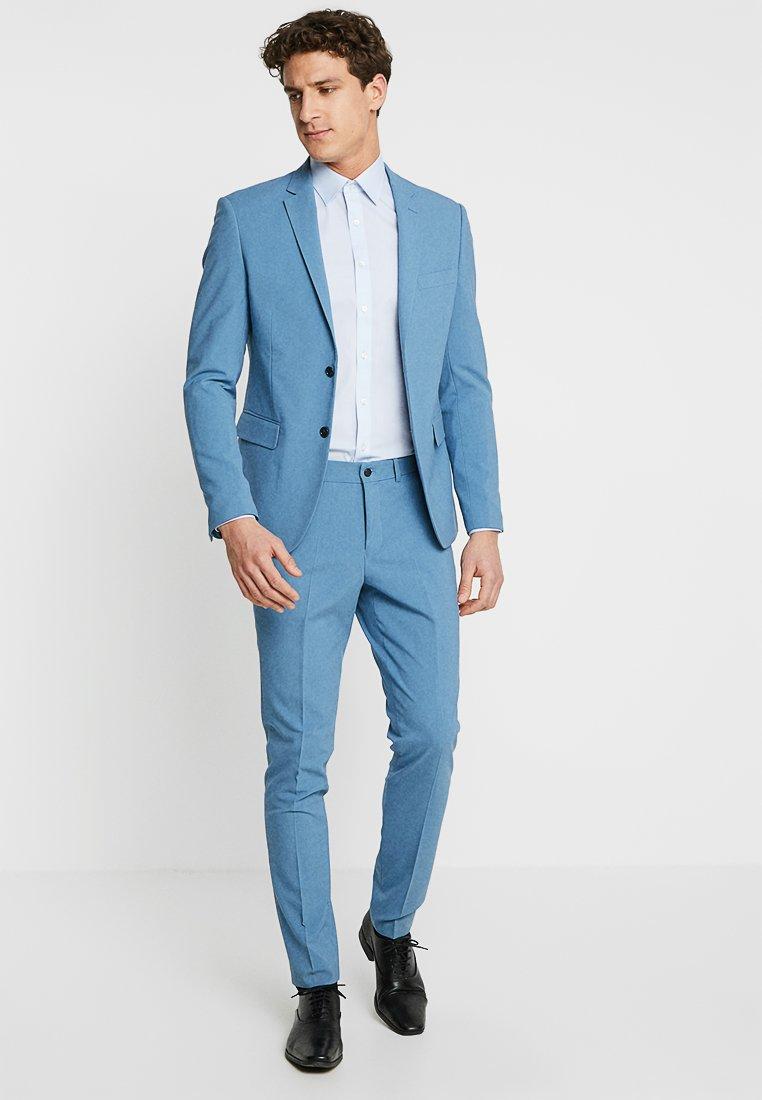 Lindbergh - PLAIN MENS SUIT SLIM FIT - Suit - sky blue