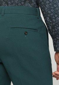 Lindbergh - PLAIN MENS SUIT SLIM FIT - Kostuum - dark green - 7