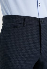 Lindbergh - HOUNDSTOOTH SUIT - Oblek - dark blue - 6