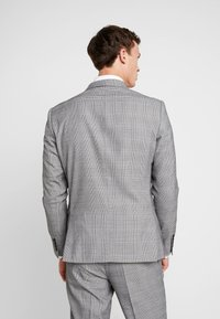 Lindbergh - CHECKED SUIT - Costume - grey - 3