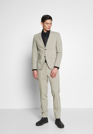 PLAIN SUIT - Garnitur - sand