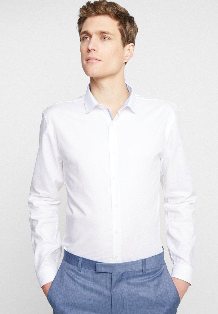 Lindbergh - DRESS SLIM FIT - Camisa elegante - white