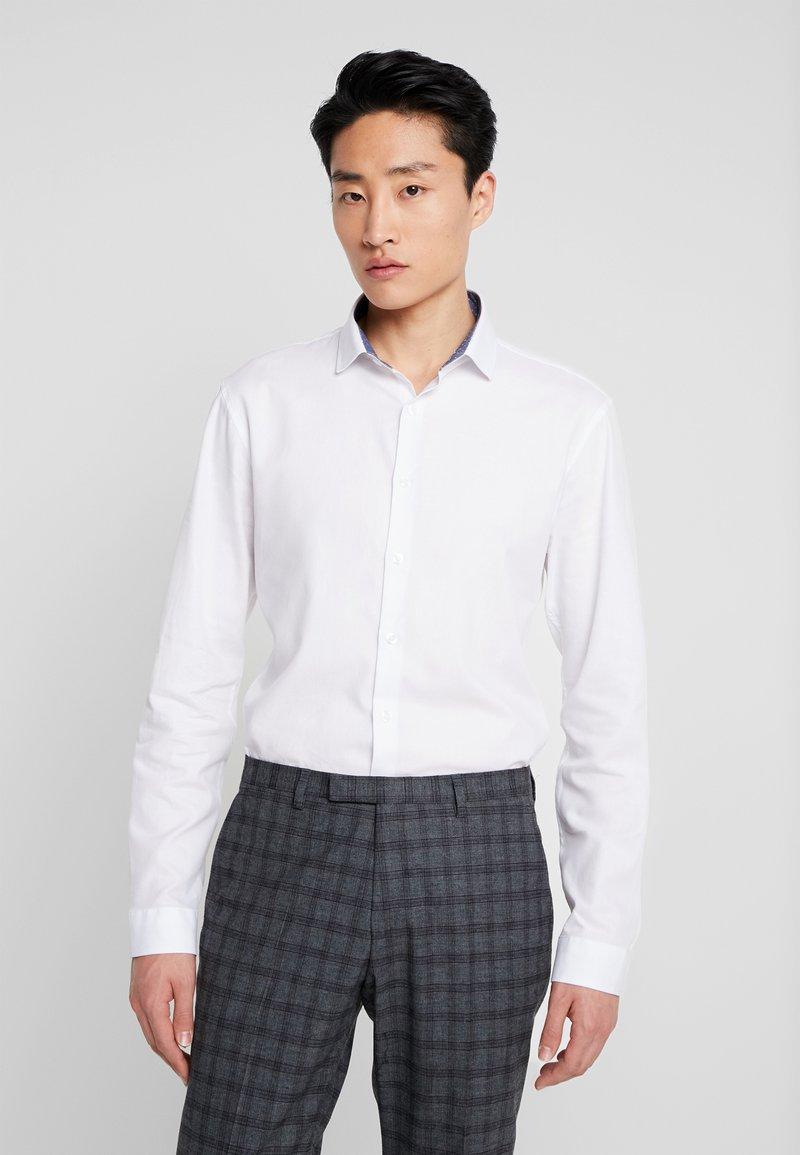Lindbergh - SLIM FIT - Camisa elegante - white
