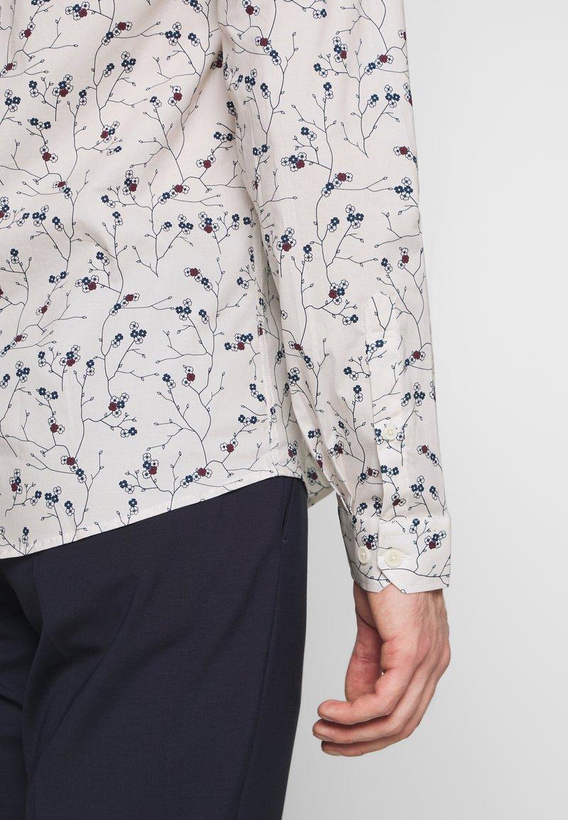 Lindbergh FLORAL PRINT - Skjorte - off white