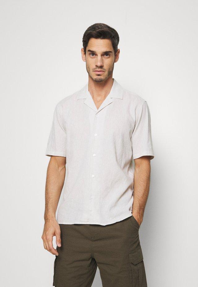 CASUAL RESORT  - Shirt - sand