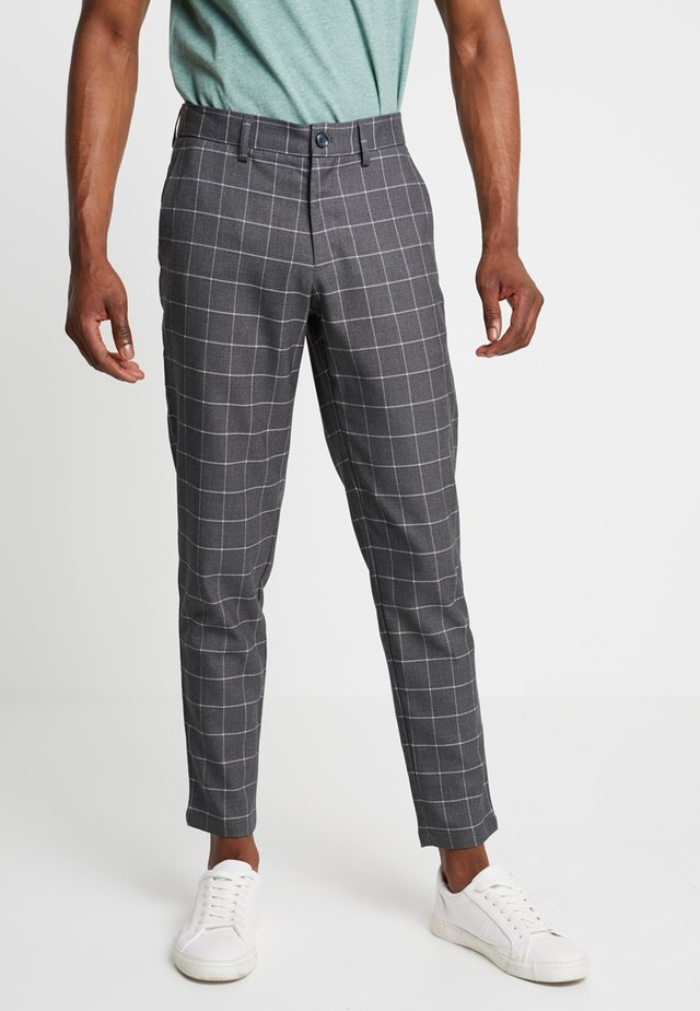 CLUB PANTS CHECKED - Kangashousut - grey