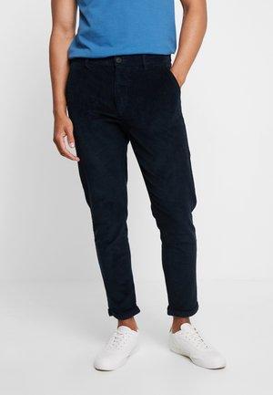 CROPPED PANTS - Pantalones - navy