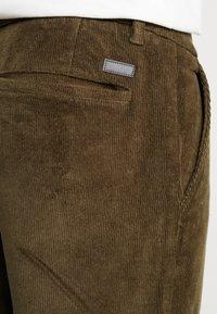 Lindbergh - CROPPED PANTS - Bukser - army - 5