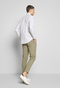 Lindbergh - CLUB PANTS - Chinot - army - 2