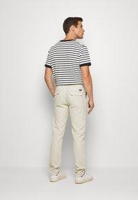 Lindbergh - PANTS - Trousers - beige - 2