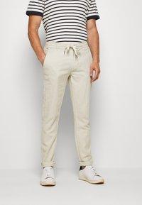 Lindbergh - PANTS - Trousers - beige - 0