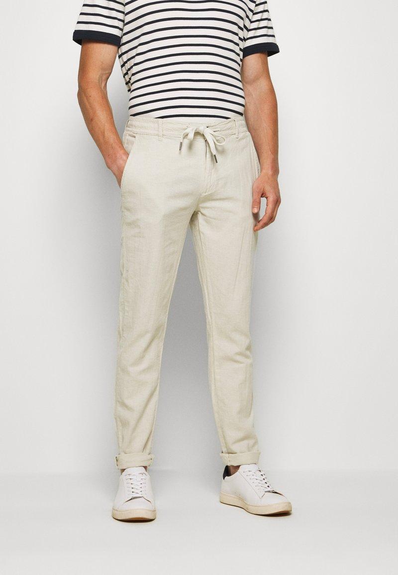 Lindbergh - PANTS - Trousers - beige