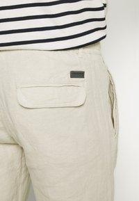 Lindbergh - PANTS - Trousers - beige - 4