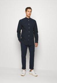 Lindbergh - PANTS - Pantalon classique - dark blue - 1