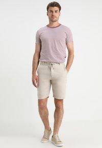 Lindbergh - Shorts - sand - 1