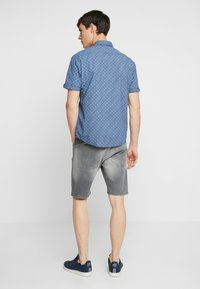 Lindbergh - REGULAR FIT  - Jeans Short / cowboy shorts - grey highway - 2