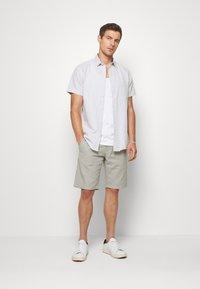 Lindbergh - Shorts - grey - 1