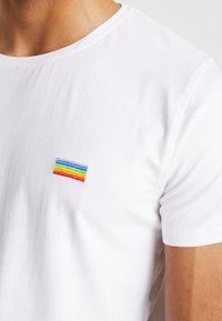 Lindbergh - PRIDE - T-shirt med print - white - 4