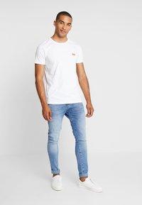 Lindbergh - PRIDE - T-shirt med print - white - 1