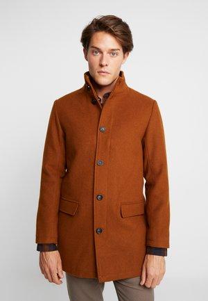 COAT STAND UP COLLAR - Zimní kabát - light brown