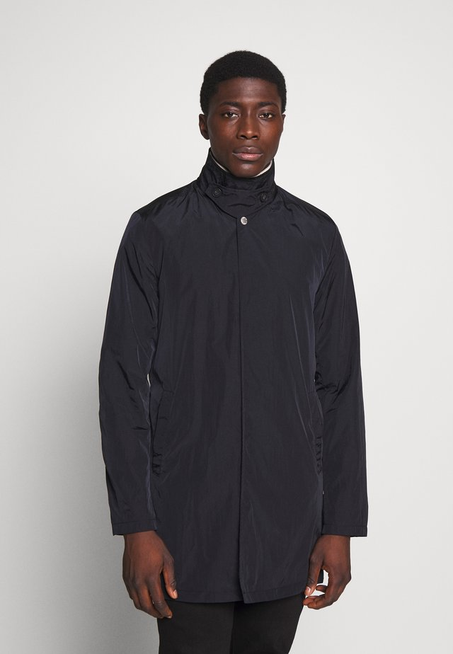 MACKINTOSH - Kurzmantel - black