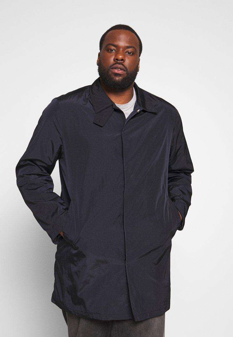 Lindbergh - MACKINTOSH PLUS - Krátký kabát - black