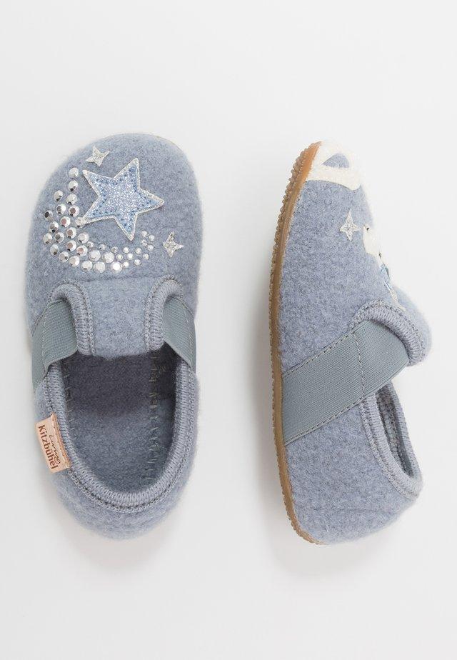 T-MODELL EINHORN UND STERN - Pantoffels - pearl blue