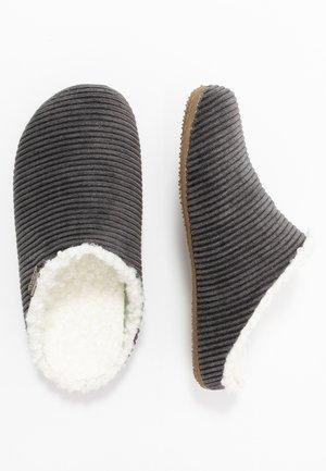 Domácí obuv - phantom