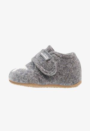 STERNENSTICK - Domácí obuv - grau
