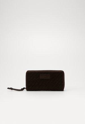 SEGIGIA - Wallet - deep mahogany