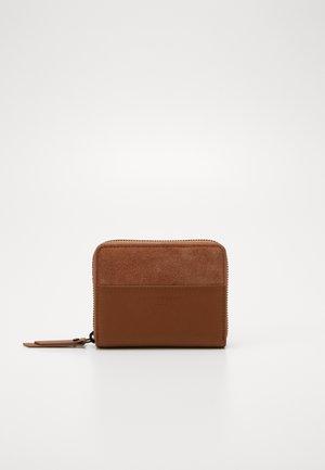 INSUCONNY - Peněženka - caramel