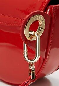 Liebeskind Berlin - VENUS - Bum bag - red patent - 6