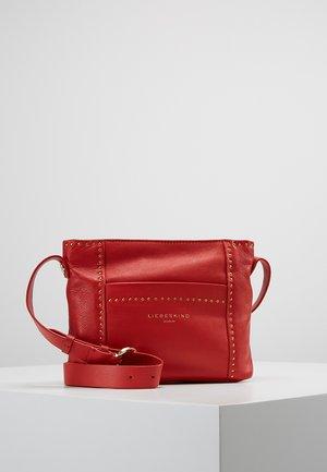 CROSS - Across body bag - red