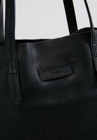 Liebeskind Berlin - Handtasche - black - 6