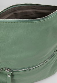 Liebeskind Berlin - ESSENTIAL CAMERA BAG SMALL - Across body bag - hedge green - 4