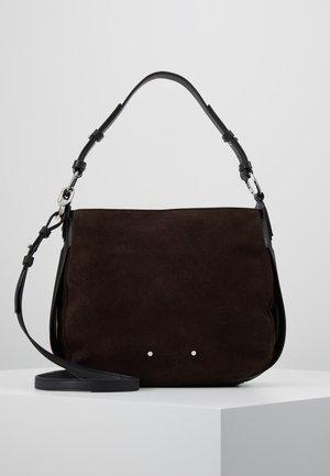 DPHOBOS - Taška spříčným popruhem - dark brown