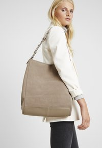 Liebeskind Berlin - Shopper - taupe - 1