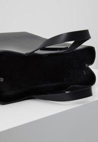 Liebeskind Berlin - PAPERBAG - Handbag - black - 4
