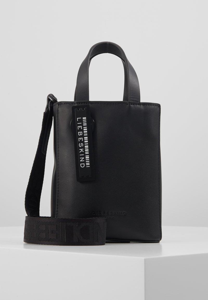 Liebeskind Berlin - PAPERBXS - Håndtasker - black