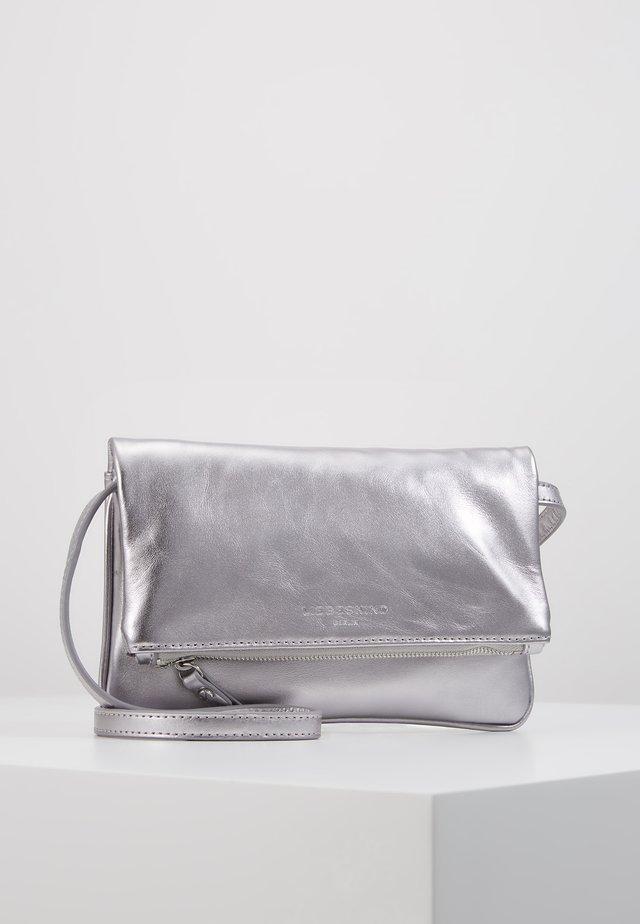 VSALOES - Pochette - silver