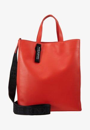 PABTOTEM - Handtas - poppy red